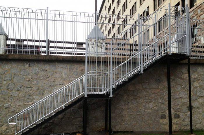 Cloture Provinciale - Escaliers 8